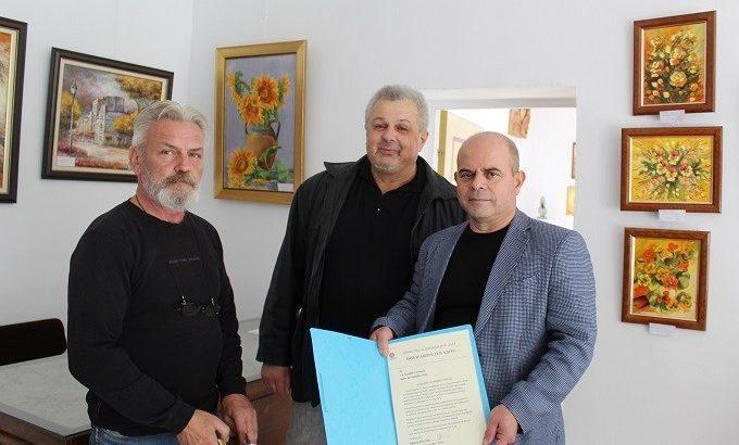 Кметът Пламен Стоилов посети ремонтирания клуб на дружеството на художниците в Русе