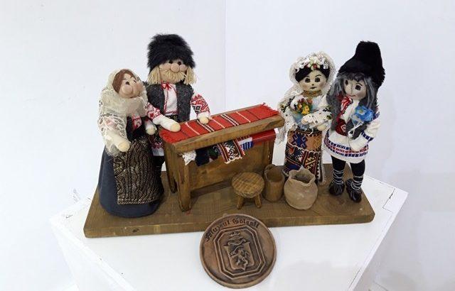 """Изложбата """"Игри и традиционни играчки от моята страна"""" бе открита в РИМ - Русе"""