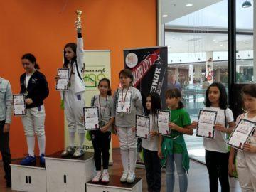 """Състезателите на СК """"Русе"""" спечелиха 2 медала на турнира по сабя Стара Загора"""