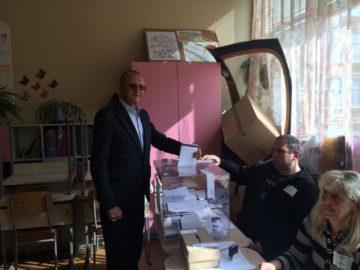 Пламен Нунев гласува днес