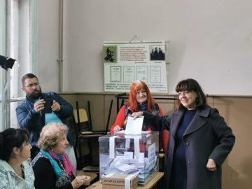 Е. Николова: Гласувах с надежда за по-добро бъдеще за нашия град!
