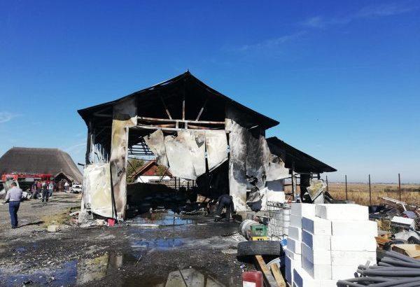 Дърводелски цех изгоря в Гюргевско