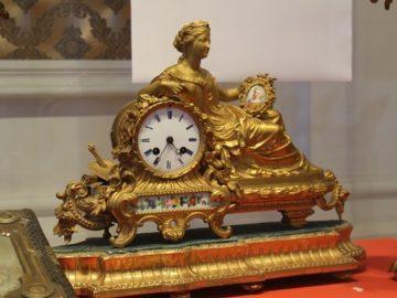 """Изложбата """"Луксът на XIX век"""" ще гостува в Троян"""