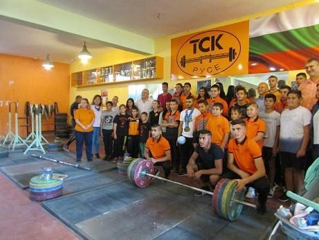 """Министърът на младежта и спорта Красен Кралев пое ангажимент да обнови напълно залата на ТСК """"Русе"""""""