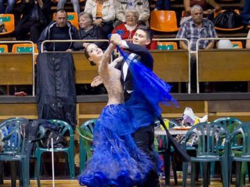 """Клубът по спортни танци """"Настроение"""" обявява прием за желаещите да се включат в школата му"""