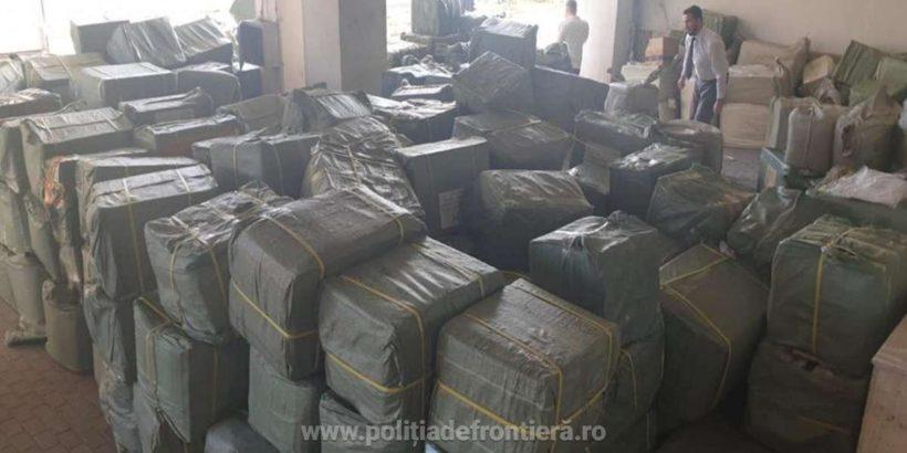 Над 24 хиляди фалшиви облекла задържаха в български камион на Дунав мост 1
