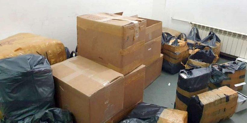 Фалшиви обувки и парфюми за близо 140 000 лева задържаха в автобус на Дунав мост 1