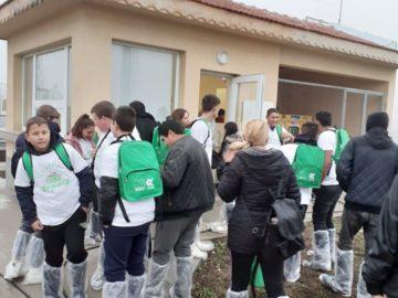 """Ученици от ПГСС - Русе участват в кампания """"Супер фермер"""""""