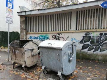 Община Русе върна контейнерите пред сградата на РДСП и НОИ