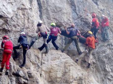 "Членовете на СК ""Академик"" - Русе участваха в пещерни прояви край Дряново"