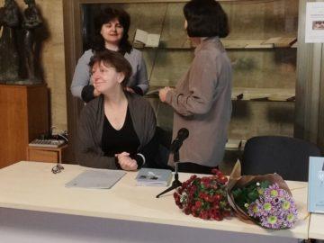 """В Регионална библиотека """"Любен Каравелов"""" за пръв път гостува поетесата Цвета Делчева"""