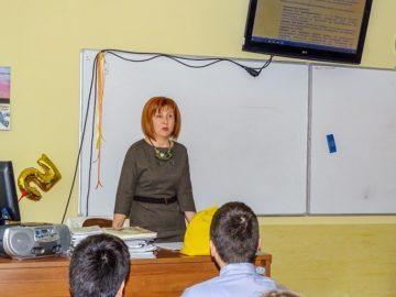 """Правата и задълженията на непълнолетните разясни на ученици от МГ """"Баба Тонка"""" - Русе съдия Атанасова"""