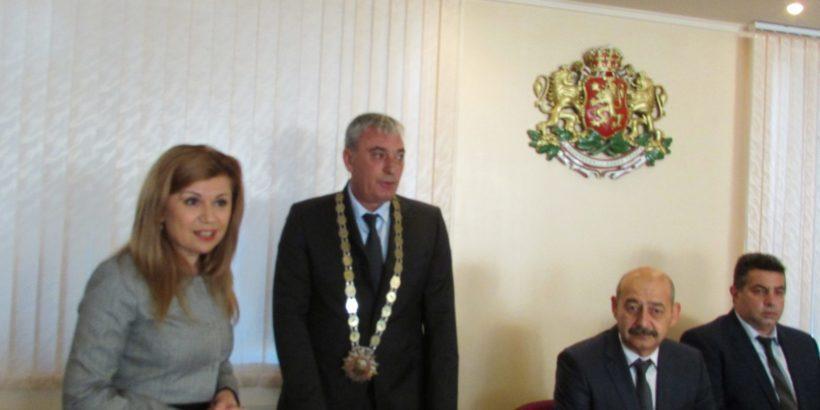 Народният представител Светлана Ангелова поздрави новоизбраните общински съветници, кмет и кметове на кметства в Община Две могили