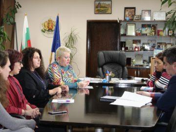 """Областният управител се срещна с експерти от клуб """"Отворено общество"""" - Русе"""