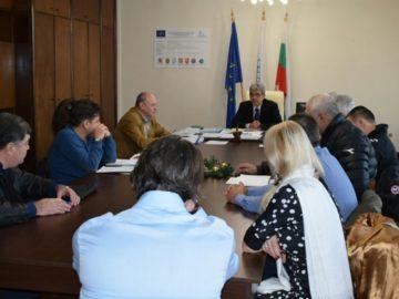 Заместник-кметът Димитър Недев проведе работна среща с фирмите и дружествата по почистване и поддържане на общинските площи и улична мрежа