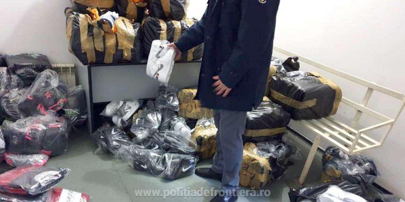 Фалшиви облекла, обувки и парфюми за близо 160 000 лева са задържани на Дунав мост 1