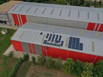 """Соларна централа помага на """"Експрес Сервиз"""""""
