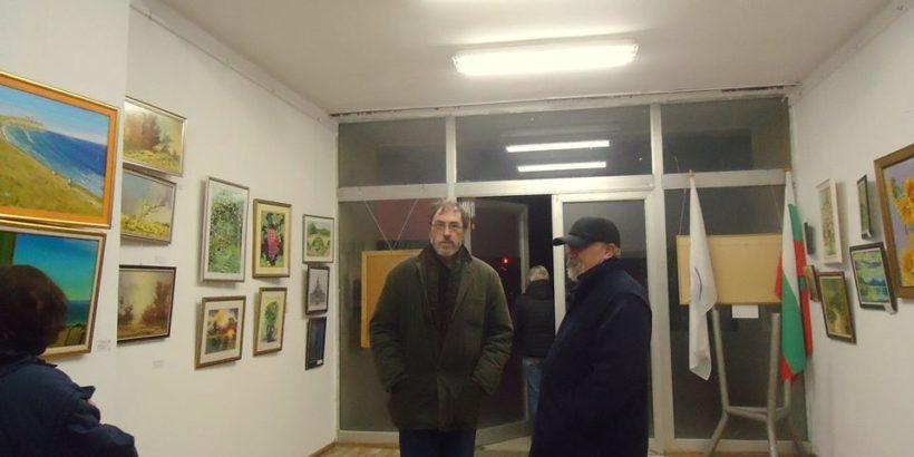 """Изложба """"Зимно настроение"""" бе открита в Русе"""
