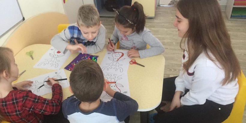 """Кампанията на Младежки парламент """"Дари спомен"""" започна в детска градина """"Чучулига"""""""