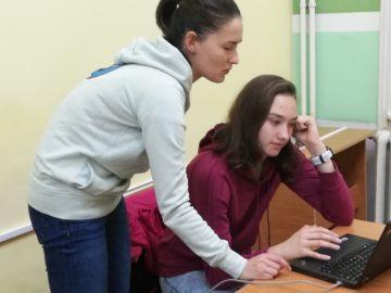 """Първи урок по програмиране с MindHub в РБ """"Л. Каравелов"""""""