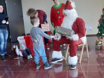 """Коледни емоции за децата в услугите на """"Еквилибриум"""""""