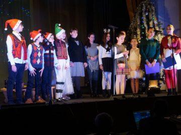 Празничен Коледен концерт и благотворителен базар се състояха на 20 декември в Две могили