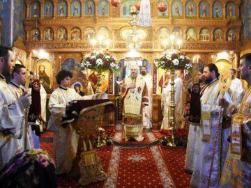 Стотици се събраха в манастира Комана за следколедно богослужение на епископ Амвросий