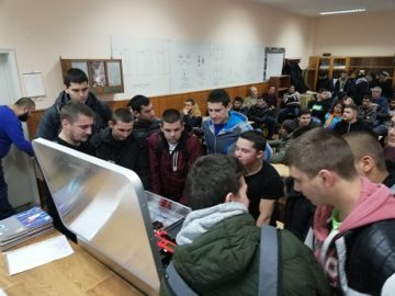 """Мобилна водородна лаборатория """"Hydro Lab"""" беше представена от Русенския университет"""