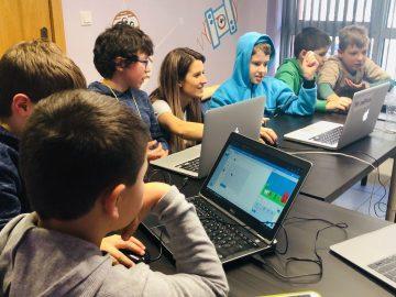 Започват безплатни курсове по програмиране и роботика за деца в Русе