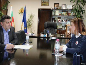 Областният управител и председателят на ОбС на БЧК - Русе проведоха среща