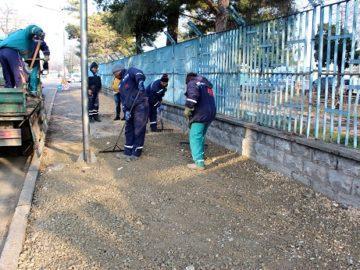 След сигнал в социалните мрежи Общината взе незабавни мерки преди асфалтирането на тротоар