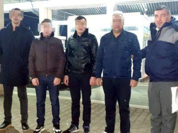 Четирима узбекистанци с фалшиви документи са задържани на Дунав мост 1 тази сутрин