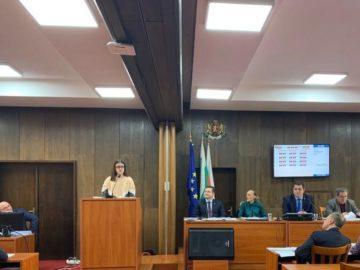 Представители на Младежки парламент бяха гости на редовното заседание на Общински съвет - Русе