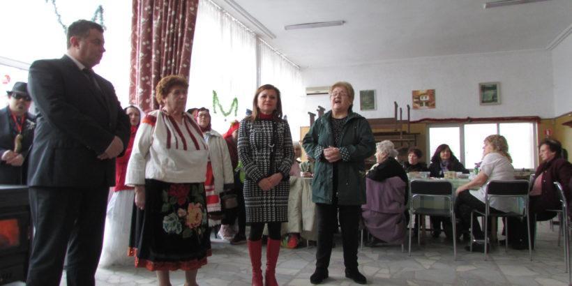 Народният представител Светлана Ангелова поздрави жителите на Мартен по повод Бабинден