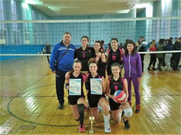 Второ място за отбора на ПГ по туризъм - Русе в общинското първенство по волейбол