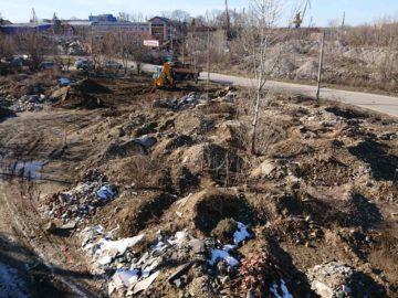 """1361 тона отпадъци почистиха служители на общинските предприятия """"Паркстрой"""" и """"Комунални дейности"""" в района на """" Сарайския мост"""""""