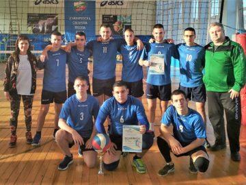 Второ място за отбора на ПГ по туризъм на общинското първенство по волейбол за VIII – X клас в Русе