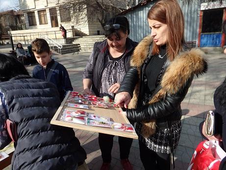 Повече от 1000 мартенички с кауза продадоха в община Ценово