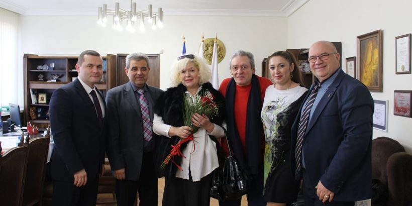 Сърдечна среща с Михаил Белчев и съпругата му Кристина проведе днес кметът на Община Русе Пенчо Милков