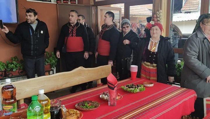 "Честване на Трифон Зарезан в НЧ ""Н. Й. Вапцаров"" - Ветово"