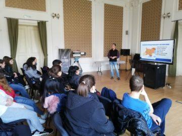 """Ученици от ПГО - Русе участваха в проект по програма """"Осигуряване на съвременна образователна среда"""""""