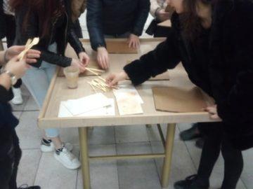 Ученици от ПГО се учиха да моделират с глина в РХГ