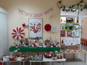 """Изложба с мартенички в детска градина """"Червената шапчица"""""""