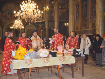 "Света литургия и панихида за Задушница в катедралния храм ""Света Троица"""