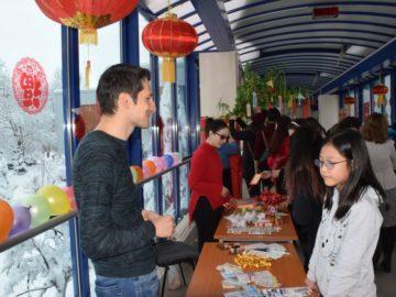 Трети фестивал на фенерите се проведе в Русенския университет