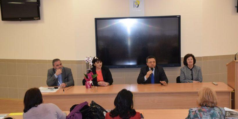 В Русенския университет се провежда среща и обучителен курс за главните медицински сестри в България