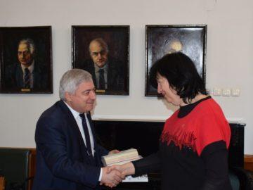 Меморандум за сътрудничество подписаха ректорът на Русенския университет и Снежана Тодорова