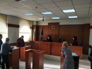 Съдът даде ход на делото за предсрочно прекратените пълномощия на кмета на Смирненски