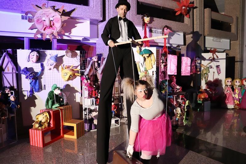 Откриха изложба по повод 60 години на Кукления театър в Русе