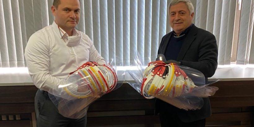Русенският университет дари днес над 160 предпазни медицински шлема